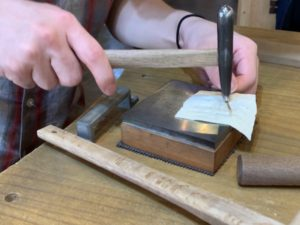 ワークスタジオ瑠花で指輪に模様をつける